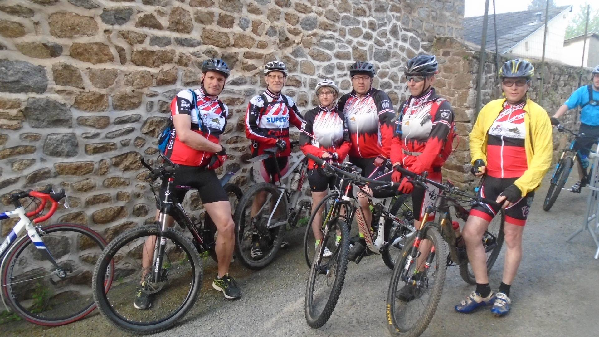 Le groupe présent à la rando de St Brice en Cogles